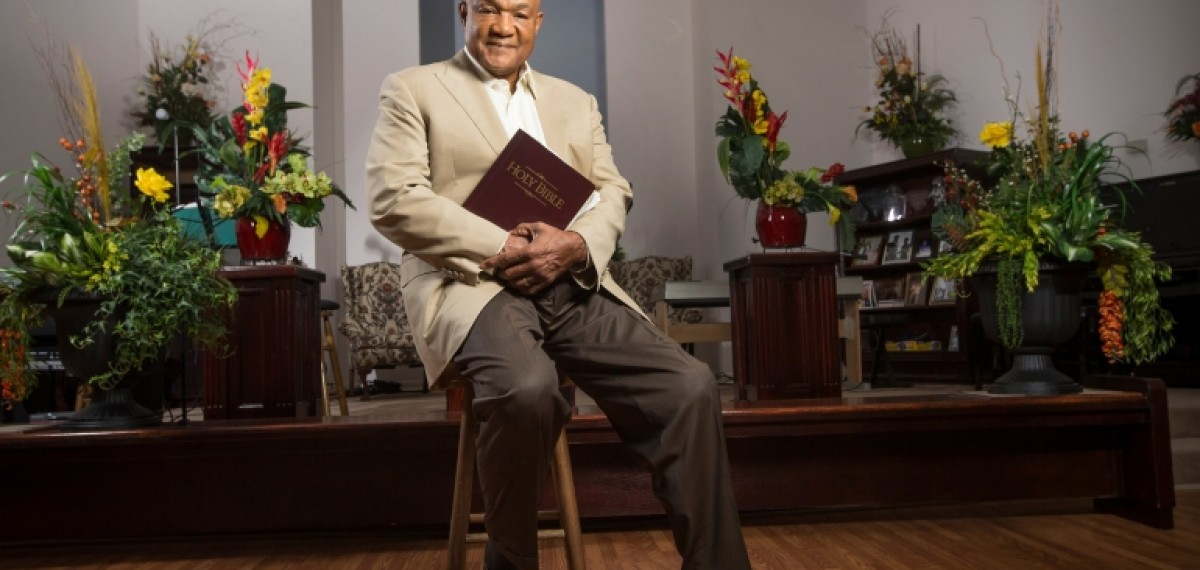OLYMPIC AND WORLD CHAMPION - GEORGE FOREMAN - American Boxer
