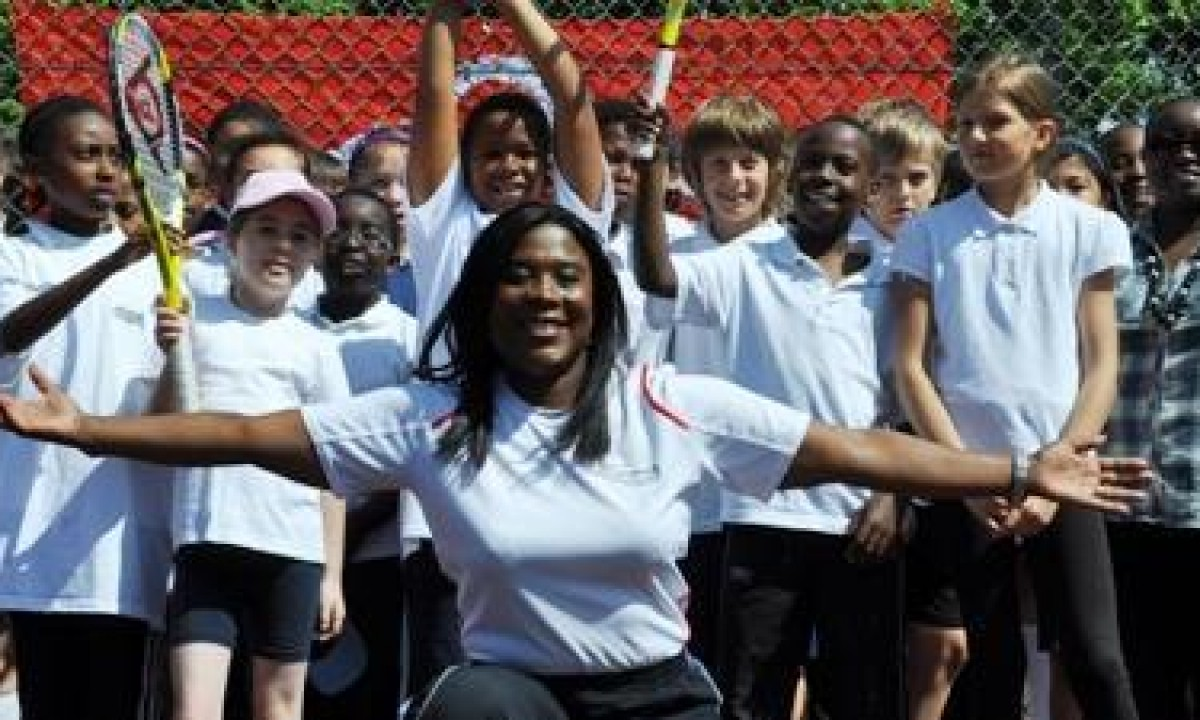 OLYMPIC CHAMPION - TESSA SANDERSON - GBR - JAVELIN THROW